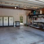 Duży garaż
